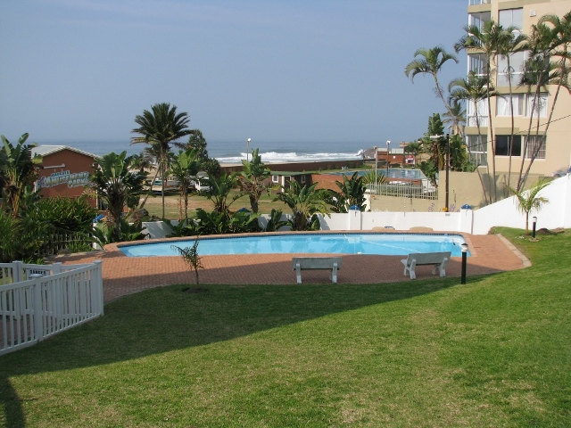 Colonial Sands Swimming Pool