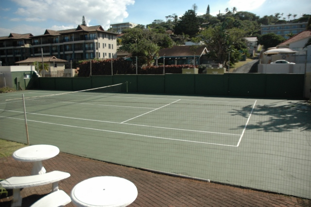 Chesa Tennis Court