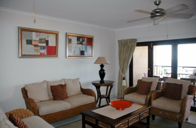 Bondi Beach Unit A Lounge