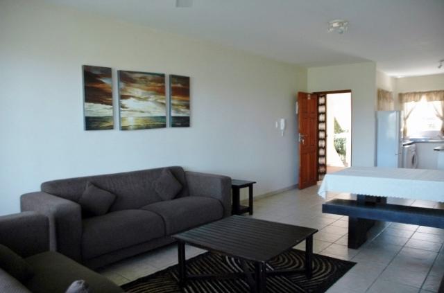 Kingfisher Unit C Lounge