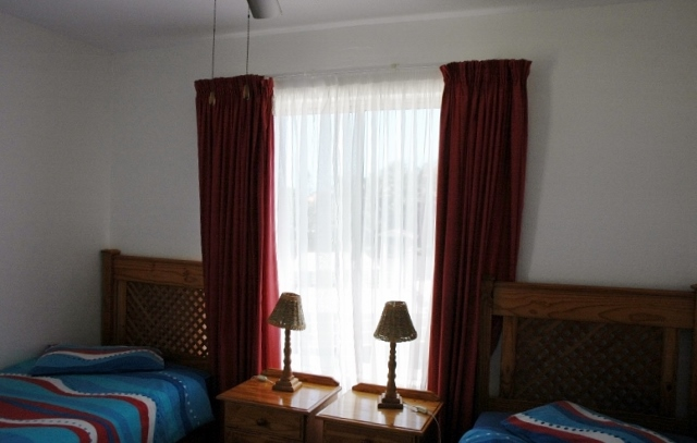 LLH – 2ND BEDROOM (640×407)