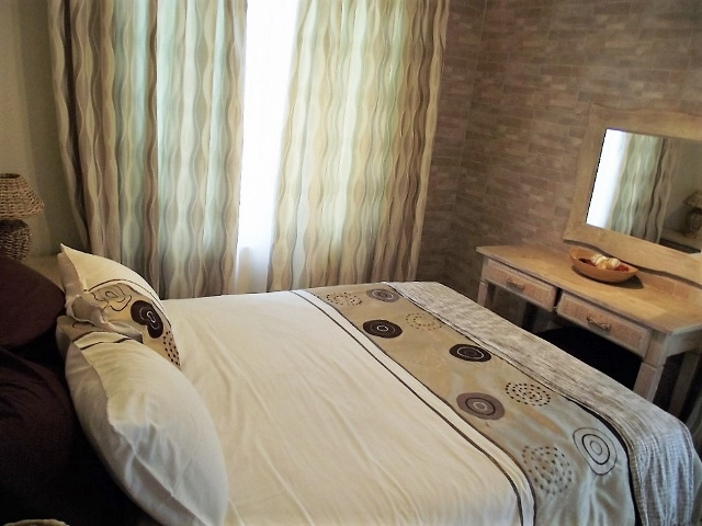 LLI MAIN BEDROOM (640×480)
