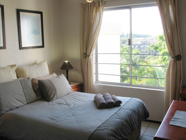 LLK – MAIN BEDROOM (640×480)