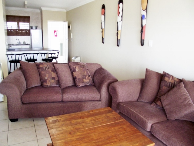 MONTEREY UNIT A LOUNGE 2