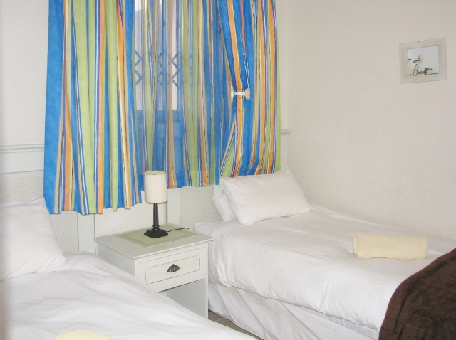 SAN F – 3rd Bedroom (640×478)