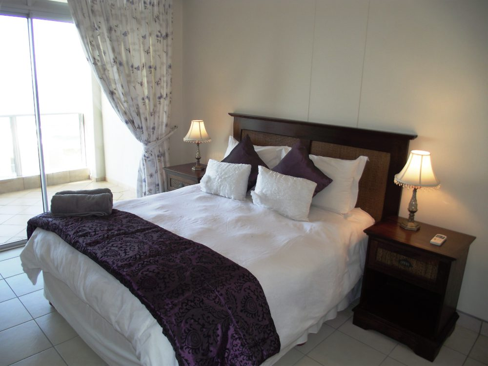 Santorini Unit G – Main Bedroom